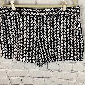 Loft Linen Blend Shorts